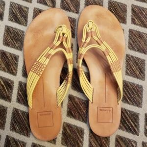 Dolce Vita Yellow Thong Flip Flop Sandals 10